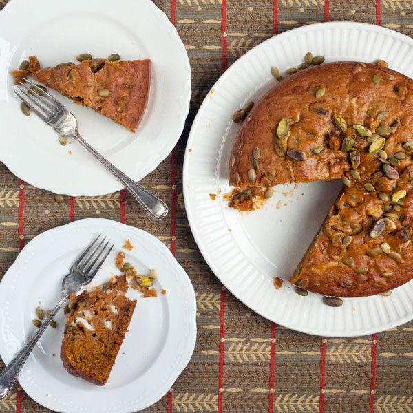 httpswww.saveur.comsitessaveur.comfilesimport2012images2012-107-recipe-pumpkin-cake-600×600.jpg