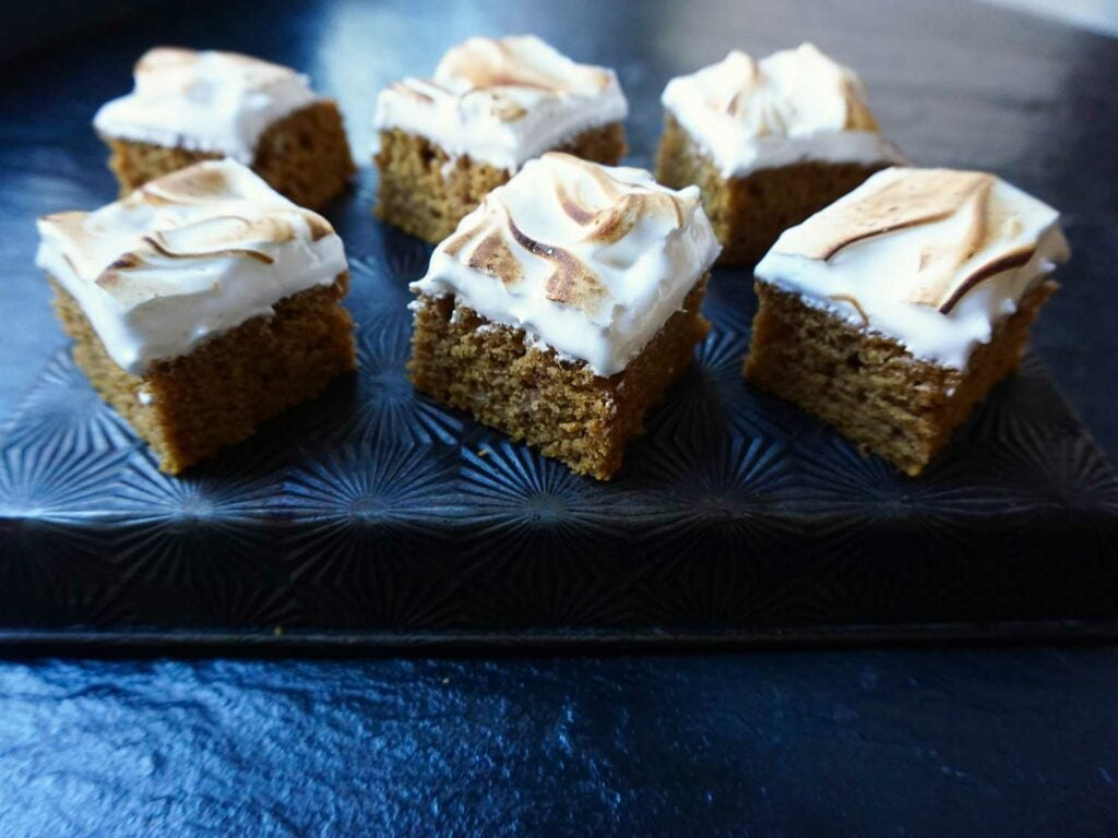 httpswww.saveur.comsitessaveur.comfilesimages201811pumpkin-spice-bars-with-toasted-meringue-1500×1125.jpg