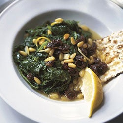httpswww.saveur.comsitessaveur.comfilesimport2008images2008-04125-58_spinach_with_pine_nuts_250.jpg