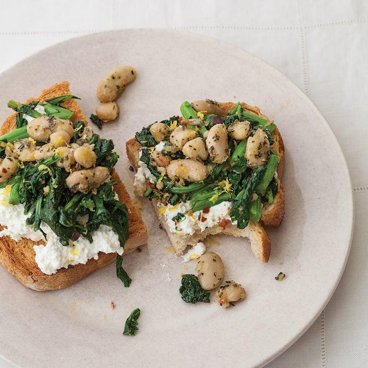 Broccoli Rabe, Cannellini Bean, and Ricotta Crostini