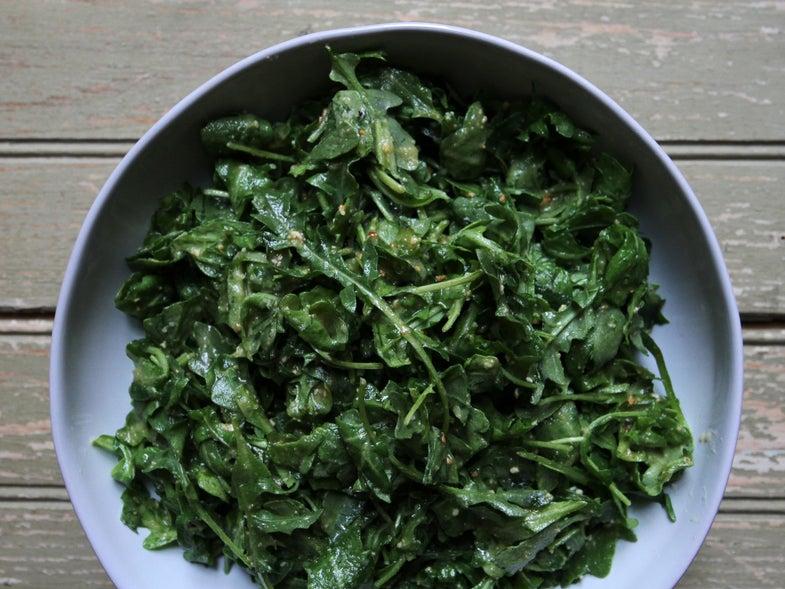 Arugula cashew pesto salad
