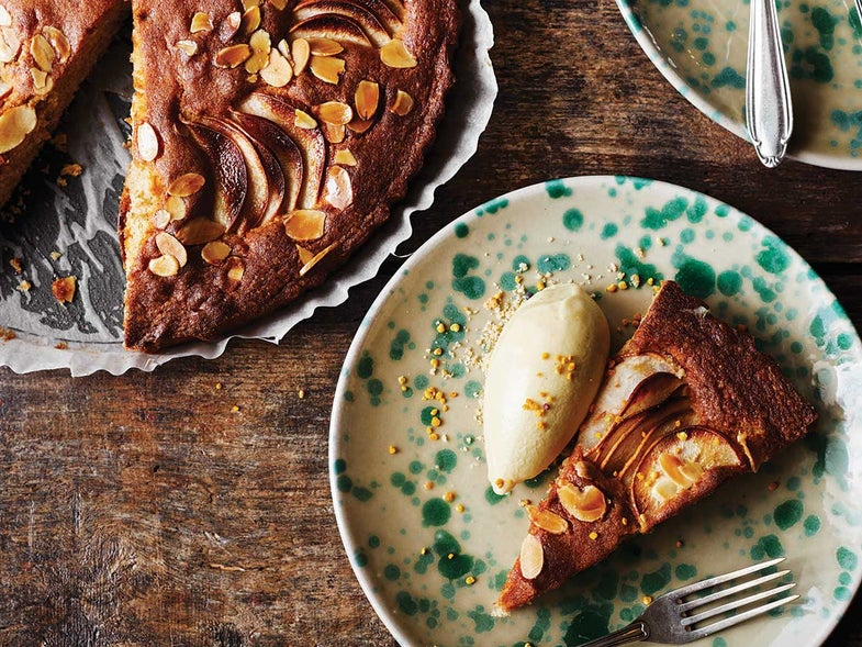 Pear Cake with Honey and Spelt