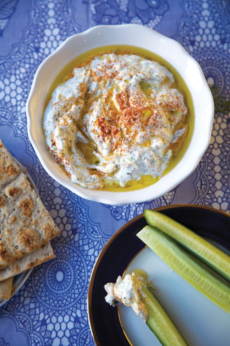 Cucumber Yogurt Dip (Tzatziki)