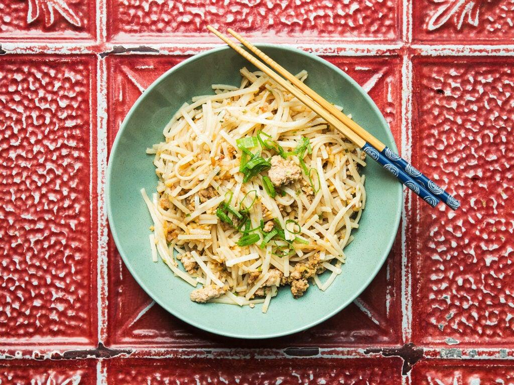 httpswww.saveur.comsitessaveur.comfilesstir-fried-breakfast-noodles_2000x1500.jpg