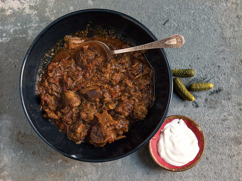 Hungarian Braised Beef with Paprika (Pörkölt)