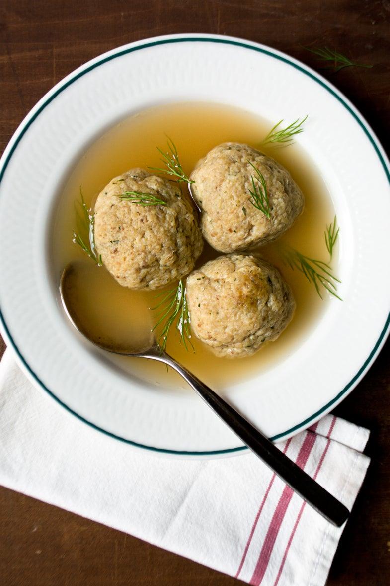 Aunt Gillies Matzo Ball Soup