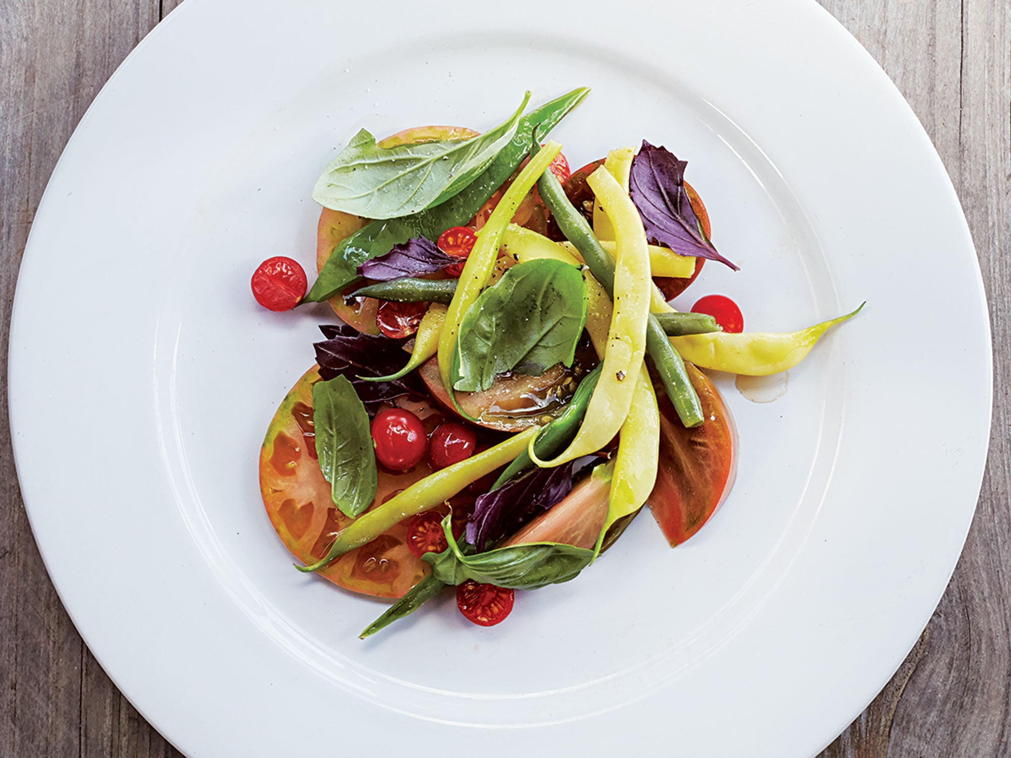 Tomato Salad with Green Beans and Basil