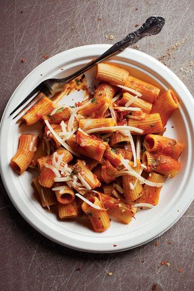 Rigatoni in Tomato Sauce