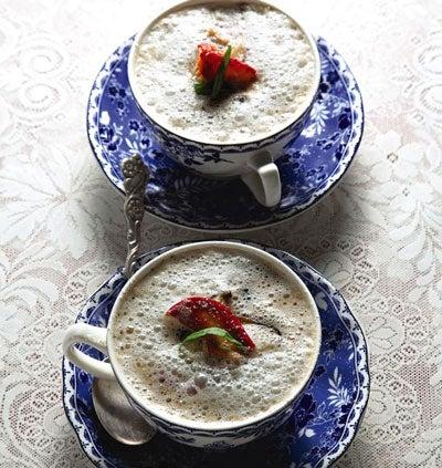 Mushroom Cappuccino (Bouillon de Champignons Comme un Cappuccino)