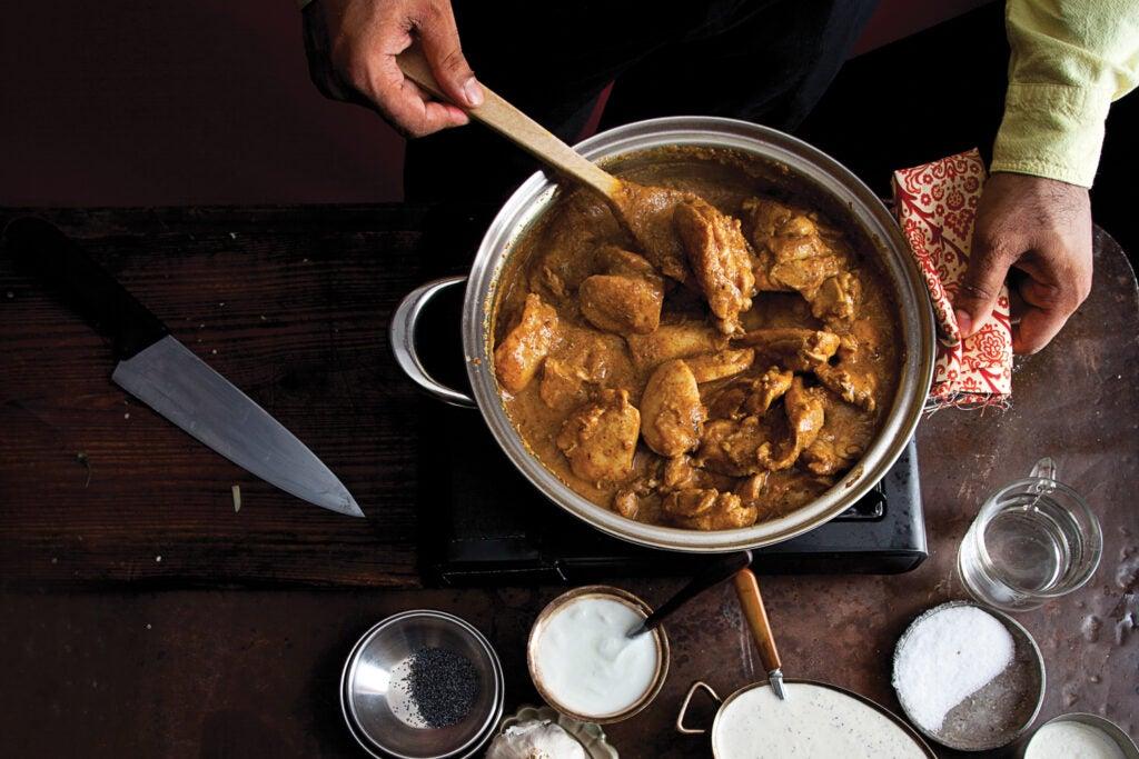 Creamy Indian Chicken Curry (Murgh Korma)