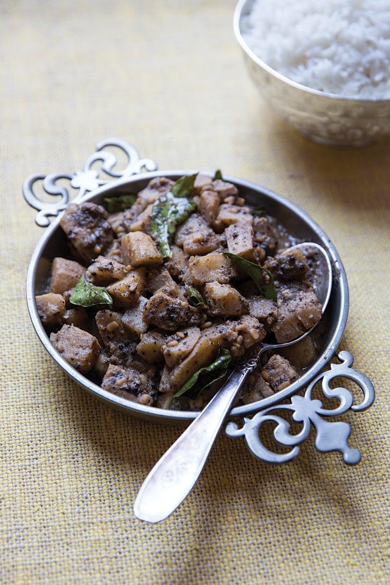 Yellu Molaghu Vazhaipazham (Plantain with Sesame Seeds  and Peppercorns)
