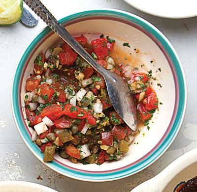 Salsa Playera de Lujo (Fresh Tomato and Olive Salsa)