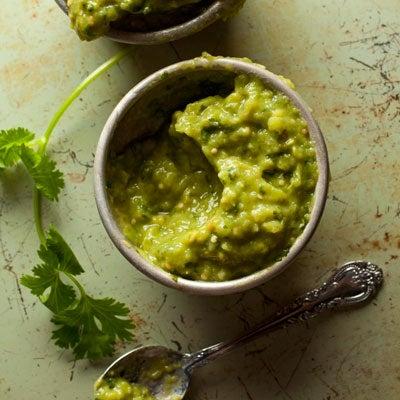 Green Salsa with Avocado (Salsa Verde con Aguacate)