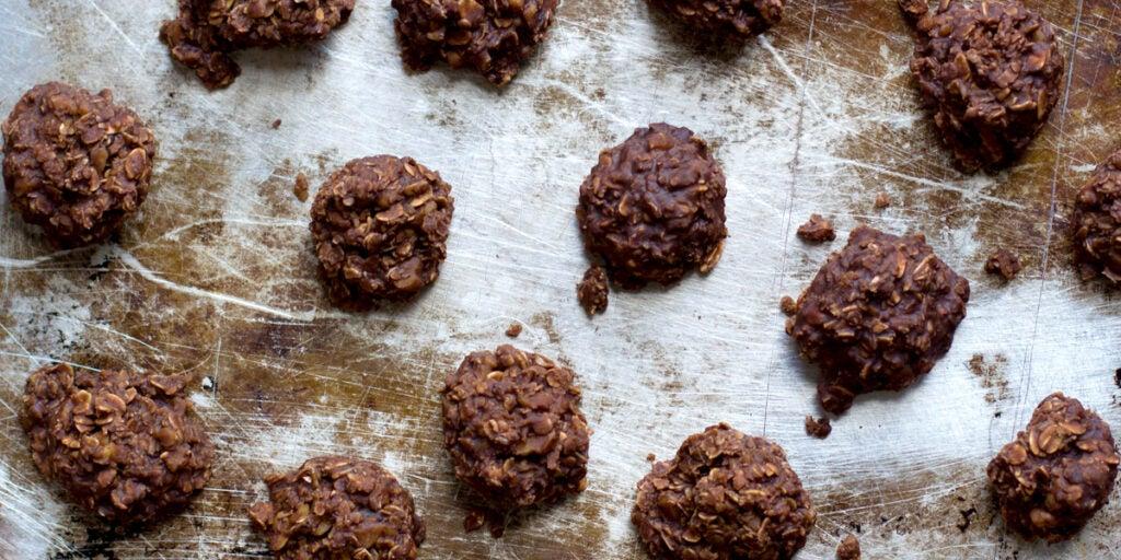 No-Bake Chocolate-Oat Cookies