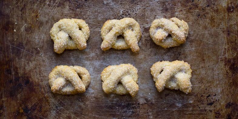 Sweet Pretzel Butter Cookies