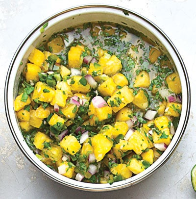 Spicy Fresh Pineapple Salsa (Salsa de Piña Picante)