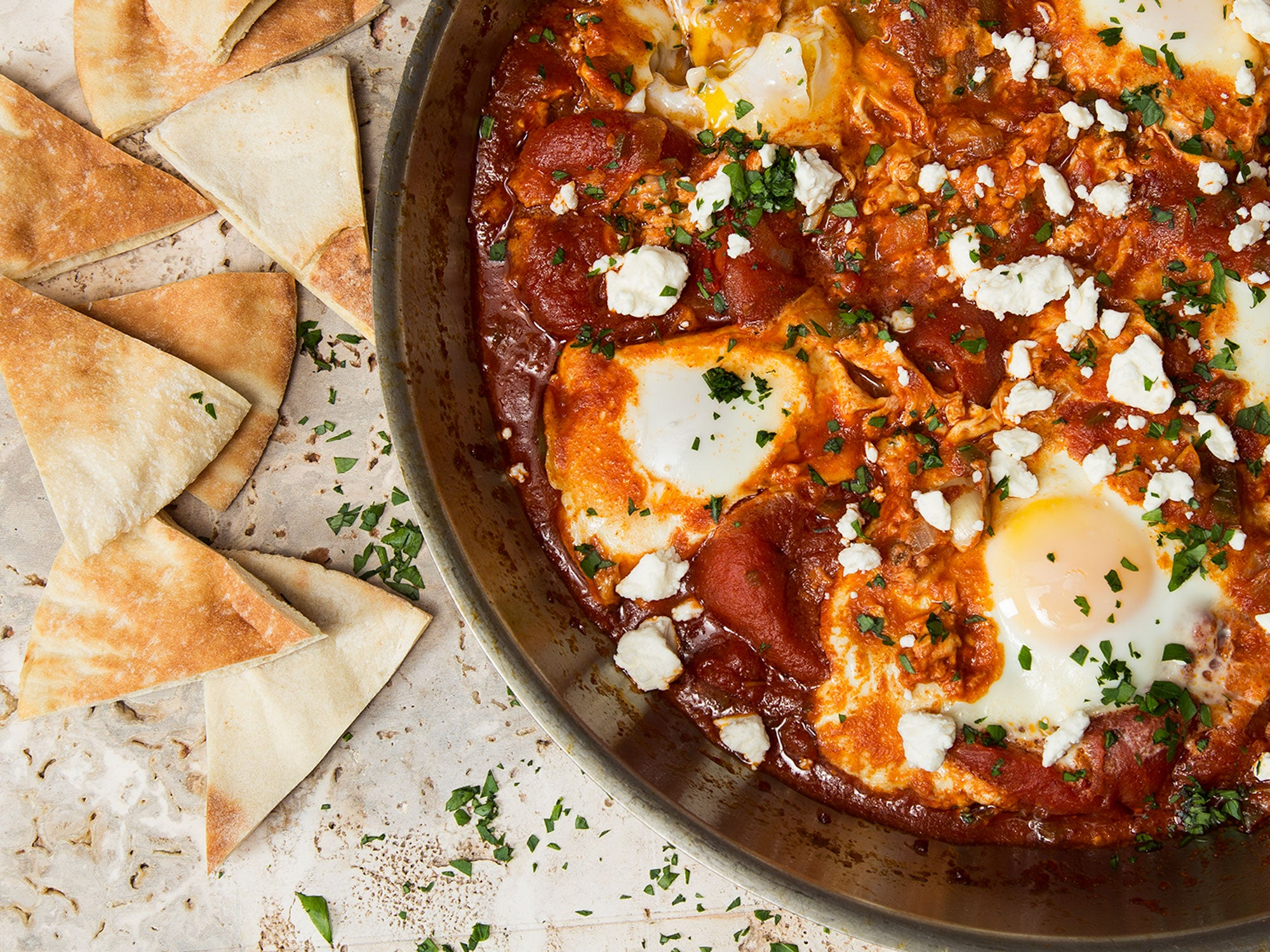 EGGS POACHED IN TOMATO SAUCE
