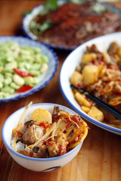 Sweet and Sour Chicken Stir Fry (Mugua Ji)