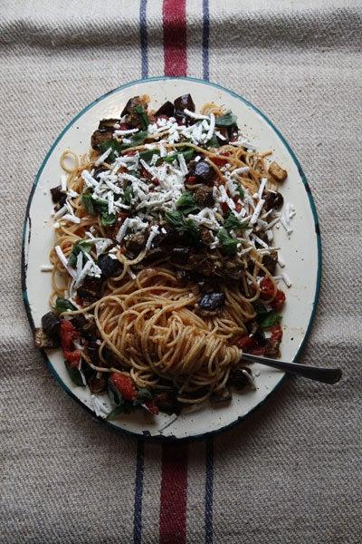 Pasta with Tomato Sauce and Eggplant (Pasta alla Norma)