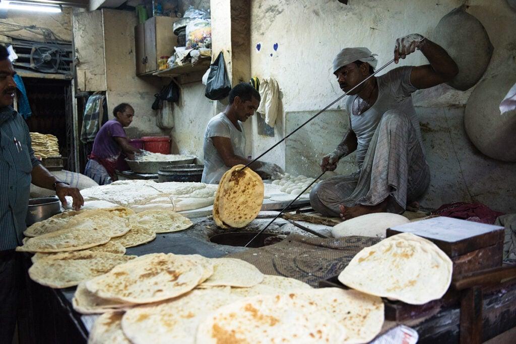 feature_west-india_mumbai_muslim-neighborhood-bombay_making-bread_1200x800.jpg
