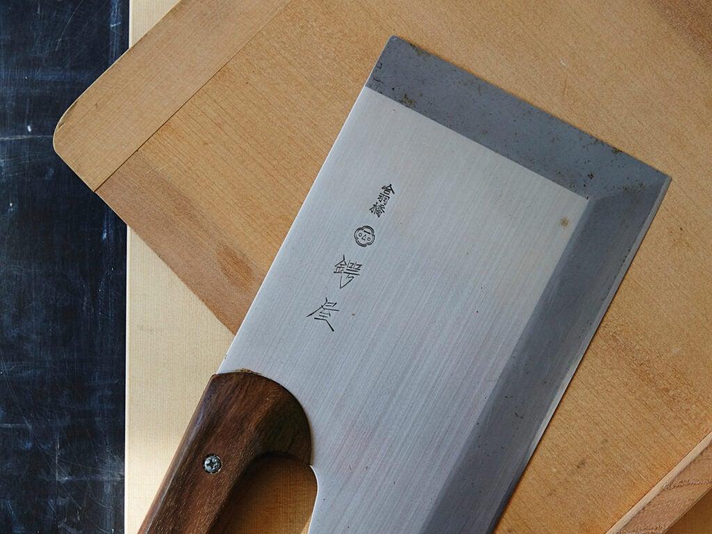 Soba knife and cutting board