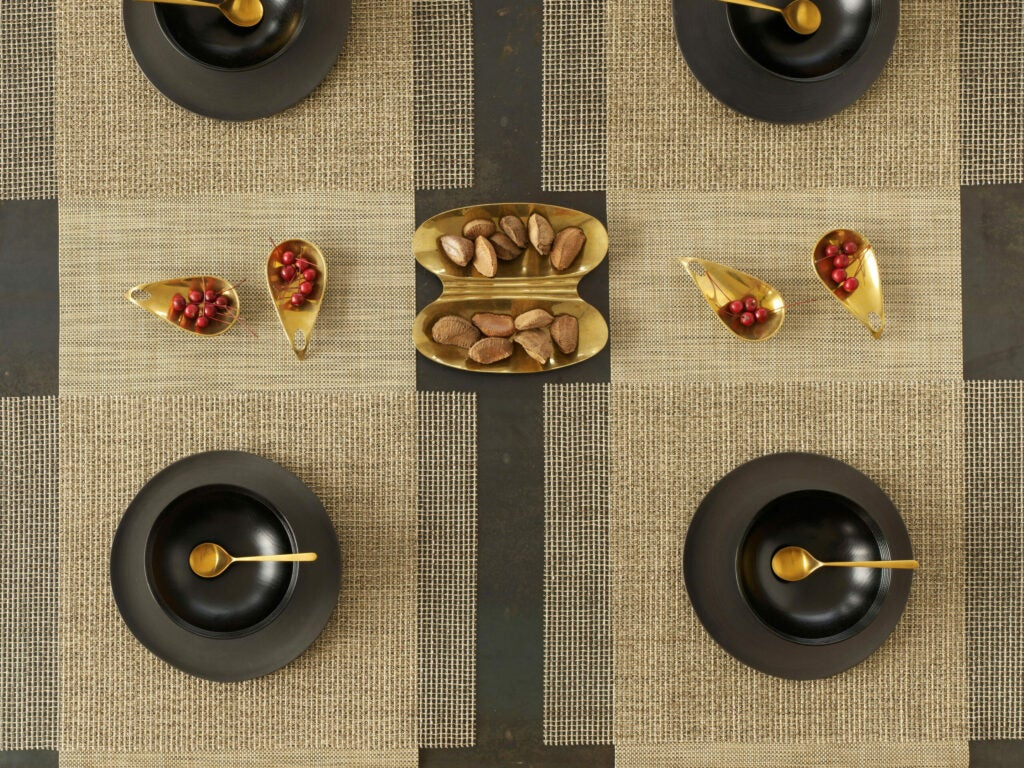 httpswww.saveur.comsitessaveur.comfilesimages201511chilewich-placemats-gold_2000x1500.jpg