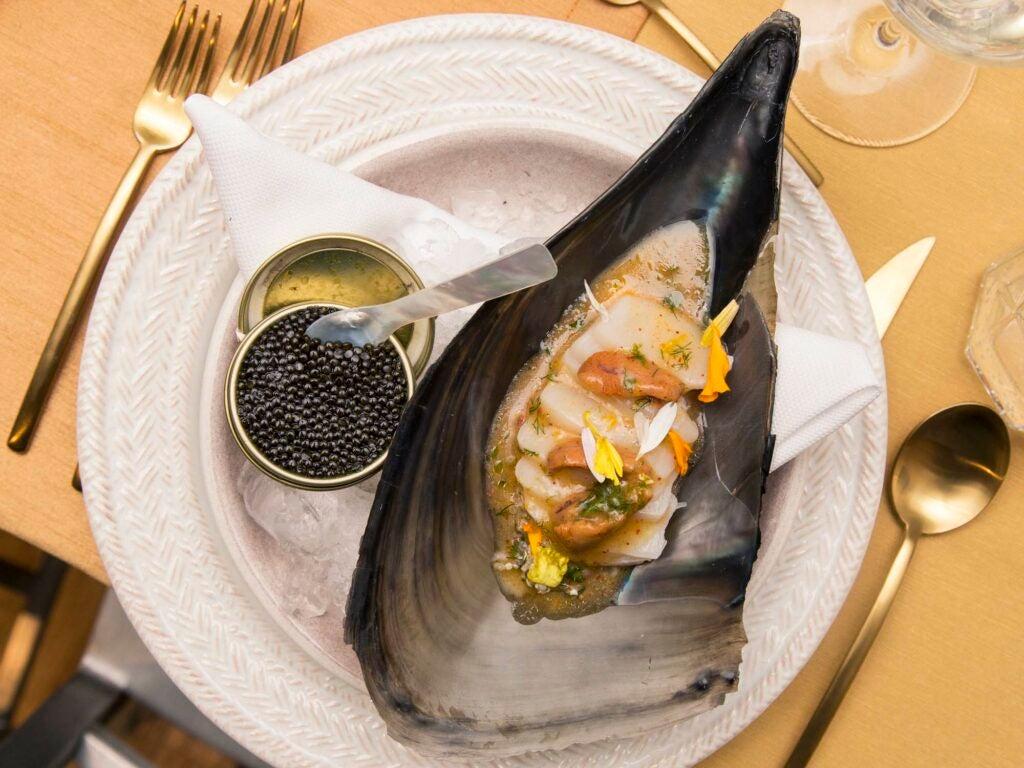 Taragai clam sashimi with tongues of uni and cavuiar