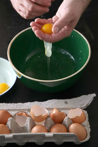 httpswww.saveur.comsitessaveur.comfilesimport2009images2009-02118-separating-eggs480.jpg