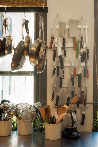 httpswww.saveur.comsitessaveur.comfilesimport2012images2012-047-saveur_kitchen_tour_knives.jpg