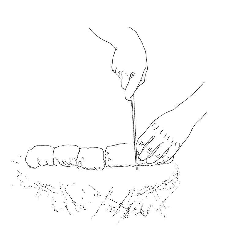 Shaping Pan de Sal