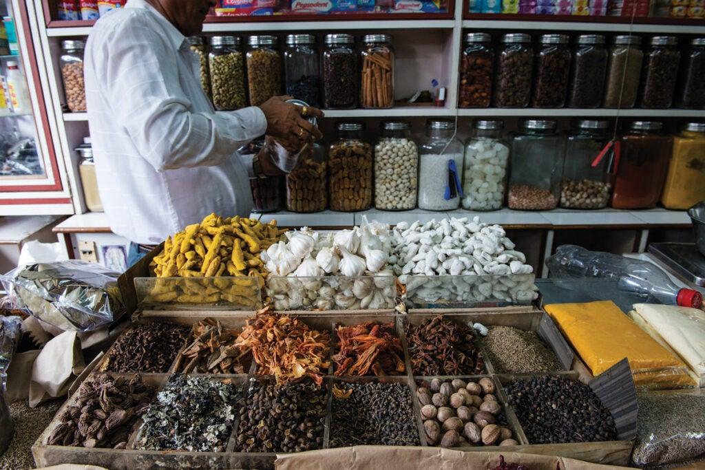 feature_west-india_mumbai_lal-bag-spice-market_1200x800.jpg