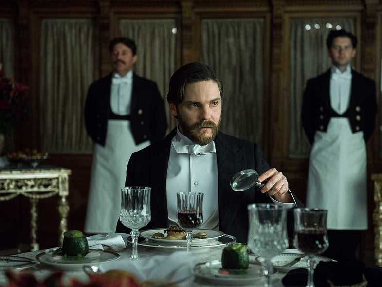 """How """"The Alienist"""" is Bringing the 19th-Century New York Restaurant Scene to Life"""