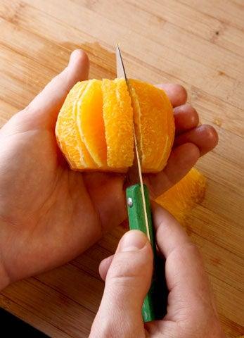 httpswww.saveur.comsitessaveur.comfilesimport2009images2009-04634-chef_tech-segmenting_citrus_480.jpg