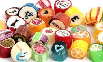 How to Stick Pinstripes, Hearts, and Pandas (?) in Your Hard Candy