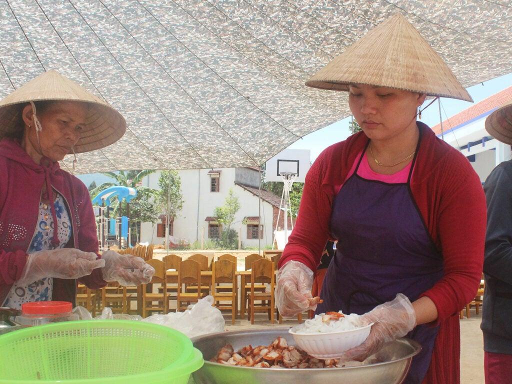 school lunch Vietnam