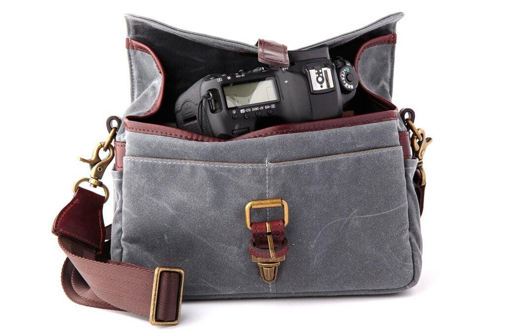 Messenger camera bag