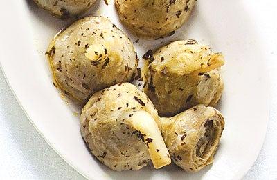 Carciofi alla Romana (Braised Artichoke Hearts with Mint)