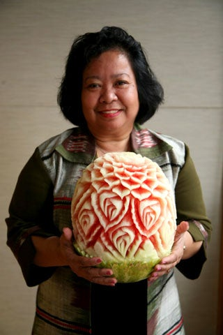 httpswww.saveur.comsitessaveur.comfilesimport2008images2008-07634-thai_watermelon_carving_18_480.jpg