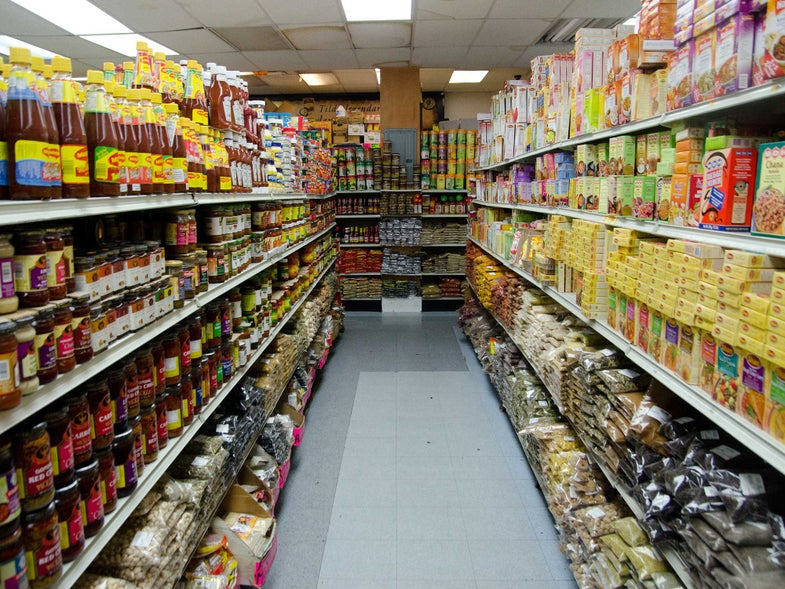 Refugee-Run Grocery Stores Are Turning American Food Deserts Green