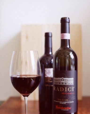 httpswww.saveur.comsitessaveur.comfilesimport2008images2008-03634-Italian_pantry-wine_and_vinegar_13_480.jpg