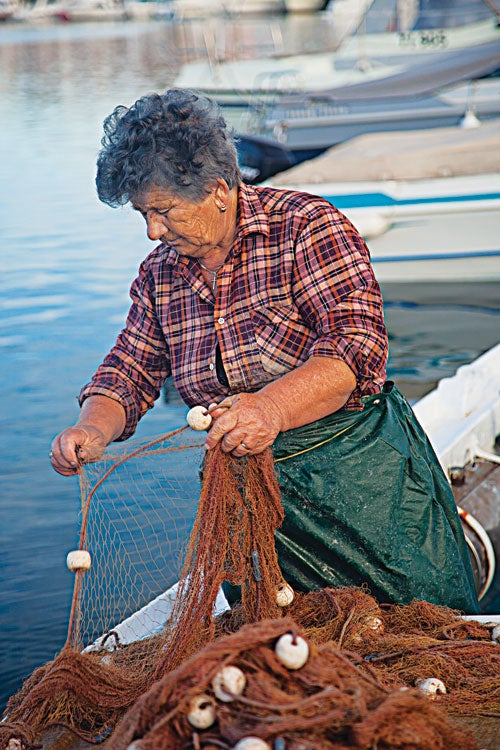 httpswww.saveur.comsitessaveur.comfilesimport20142014-03scenes-from-the-dalamatian-coast-murter-fisherwoman-500×750-i164.jpg