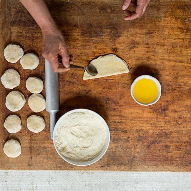 httpswww.saveur.comsitessaveur.comfilesimport20142014-08gallery_india-how-to-paratha-brushing_750x750.jpg