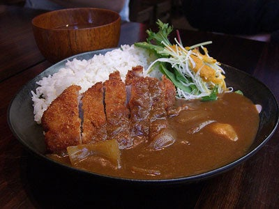 Eating in Tokyo: Curry Rice for Breakfast