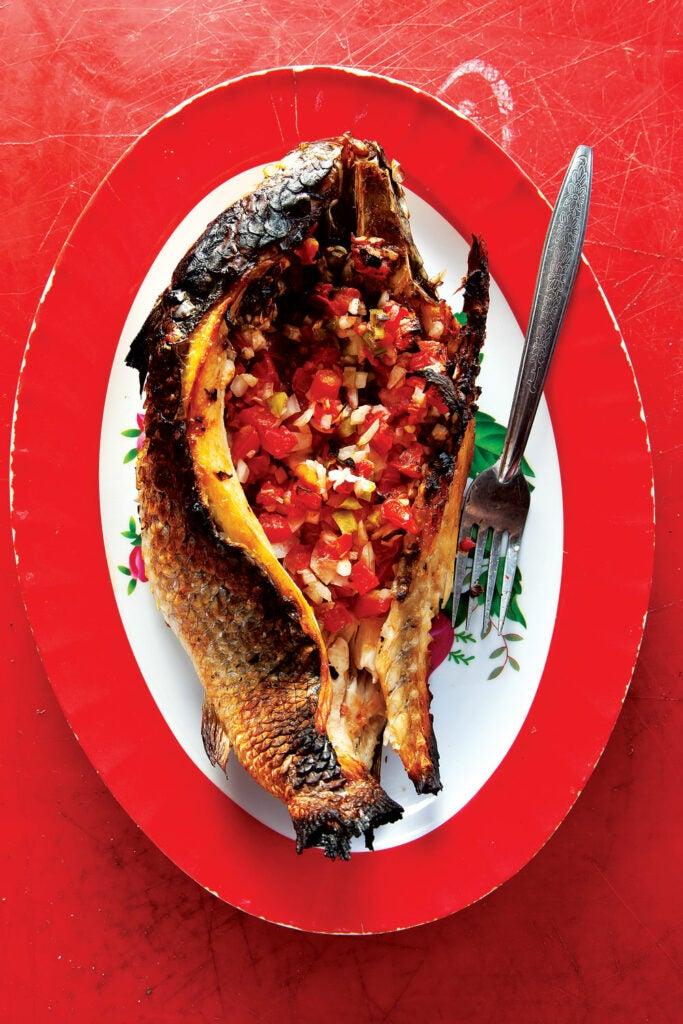 fish stuffed with pico de gallo