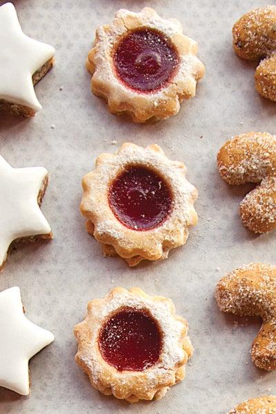 Raspberry Jam Sandwich Cookies (Spitzbuben)