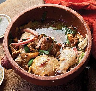 Clay-Pot Chicken with Chanterelles (Jiyou Jun Bao Ji)