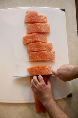httpswww.saveur.comsitessaveur.comfilesimport2008images2008-05634-112_how_to_filet_a_salmon_7_480.jpg