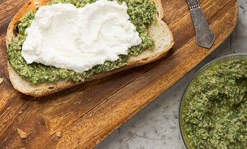 NYC to CSA: A Pesto for Your Pea Shoots