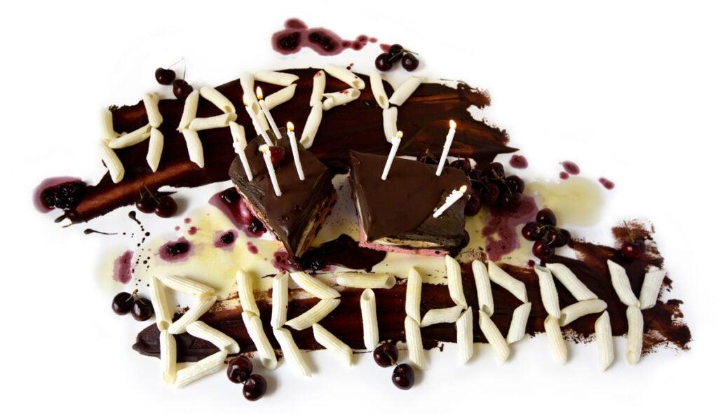 httpswww.saveur.comsitessaveur.comfilesimport20142014-07gallery_birthday-cake-brooks-headley_edit_1200x800.jpg