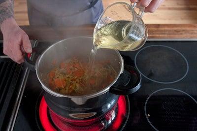 httpswww.saveur.comsitessaveur.comfilesimport2010images2010-117-20101008-pressure-cooker-stock-step4-P.jpg